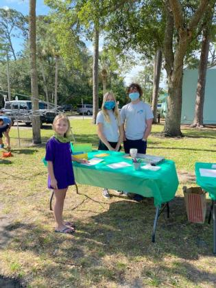 Atlantic Beach Youth Council members help make Mother's Day cards at the Dig Local Network green market. (photo submitted)